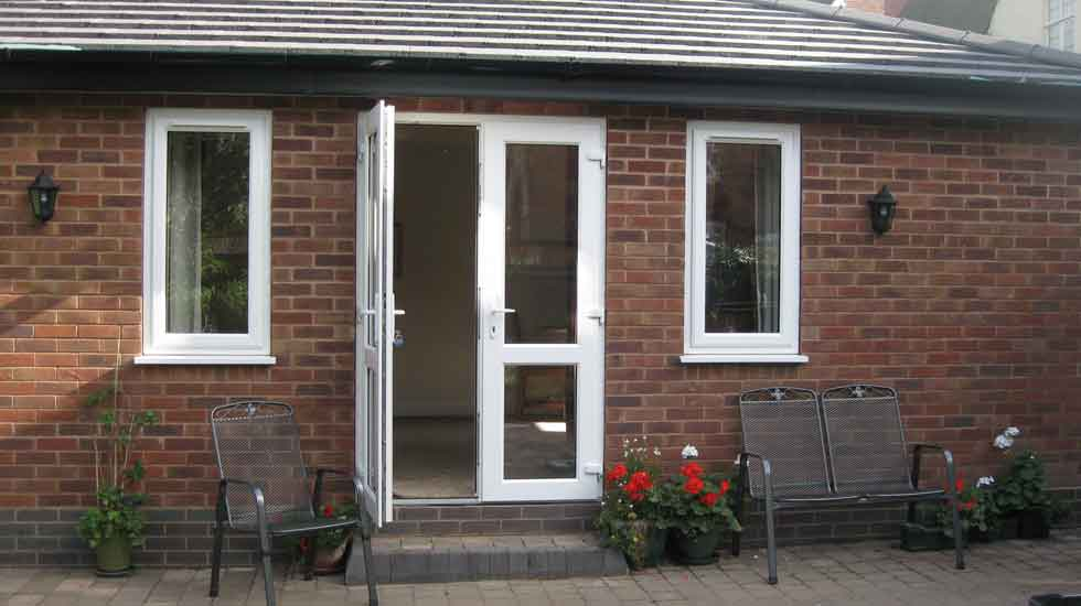 Granny annexe sutton coldfield westwood property for Garage with granny flat on top